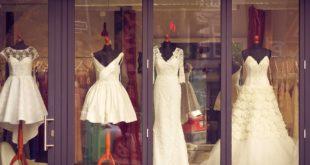 שמלות בחלון