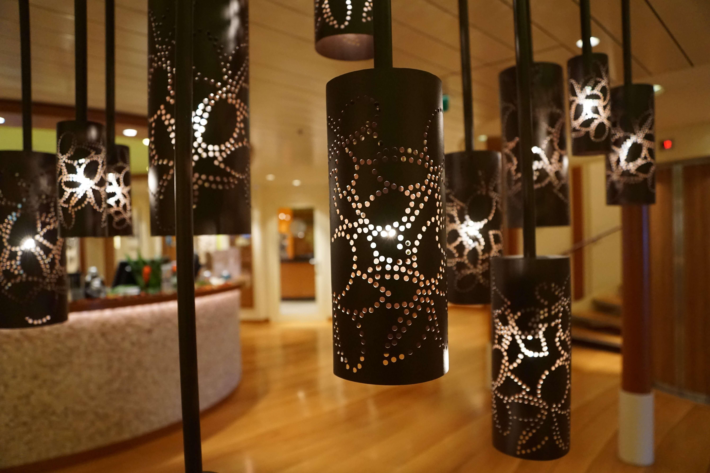 מנורות בחדר